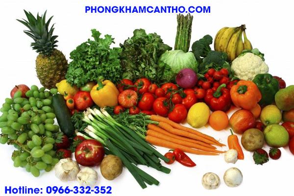 ăn trái cây tươi và rau xanh tốt cho người viêm bao quy đầu